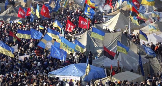 Ukrayna'da göstericilere af
