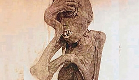 Depodan çıkan gizemli mumya
