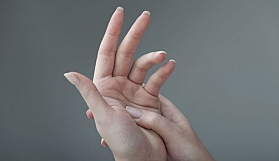 Parmaklarımız neden uyuşur?