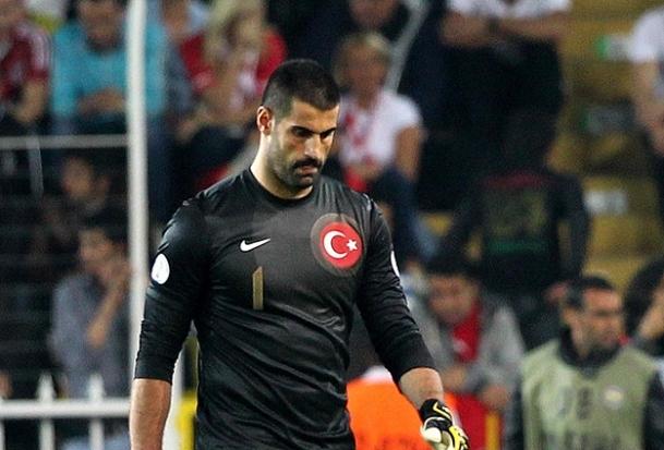Volkan Demirel milli maçta yok