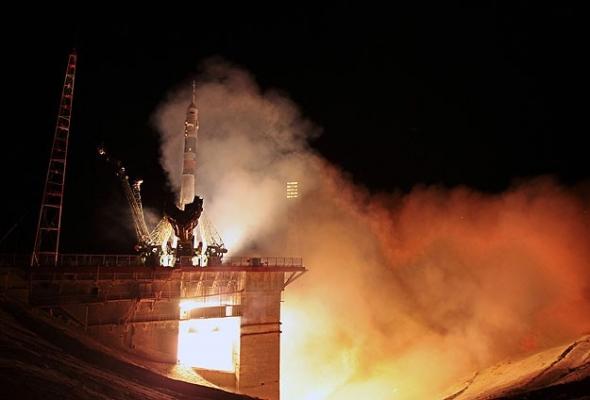 Yeni ekip uzay istasyonuna ulaştı