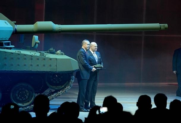 Yerli tank tanıtıldı
