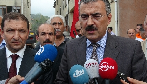Zonguldak'ta kentsel dönüşüm, metruk binaların yıkımıyla başladı