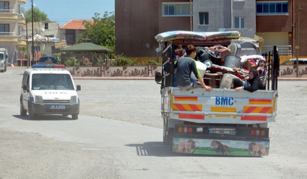 Suriyeli aileler mahalleyi terk etti!
