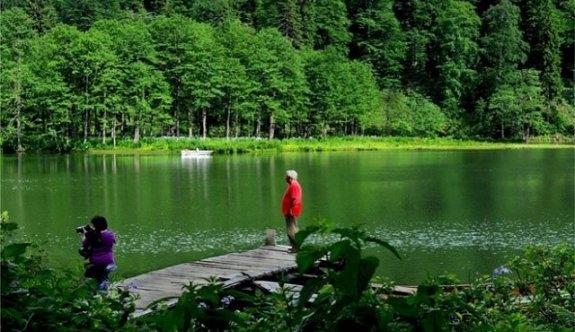 """""""Karagöl""""de Saklı Cennet , Ziyaretçileri Büyülüyor"""