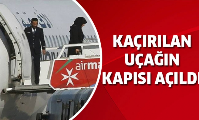 Son dakika: Libya uçağı kaçırıldı!