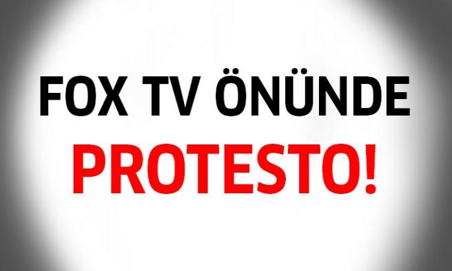 Fox Tv'nin önünde protesto