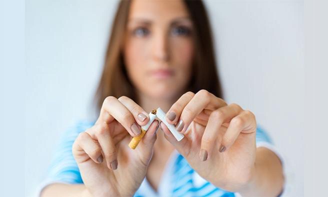 Sigarayı bırakmak bir telefon kadar yakın
