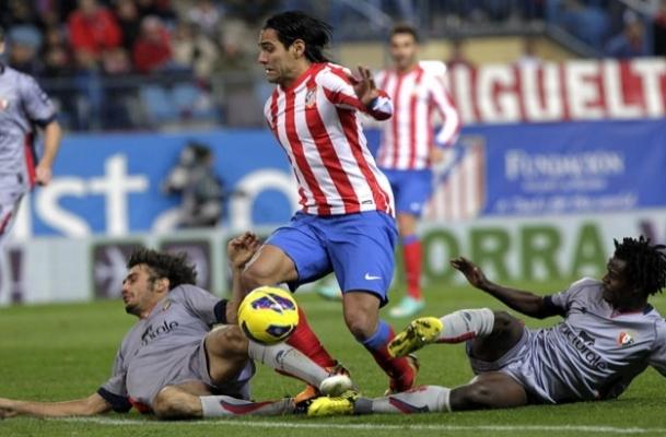 Atletico Barca'yı bırakmıyor