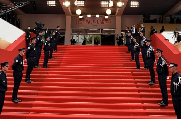 Cannes Festivali'nde silah paniği