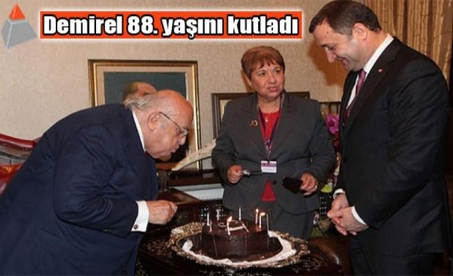 Demirel 88. yaşını kutladı
