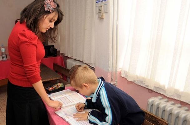 Eğitim kademesi yükseldikçe kadın eğitimci düşüyor