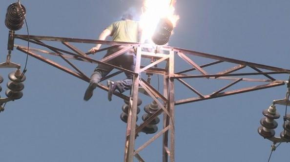 Elektrik akımına kapıldı!