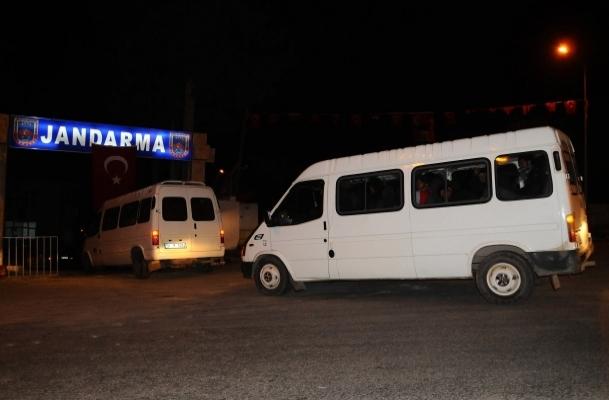Esed'in askerleri Türkiye'ye kaçtı