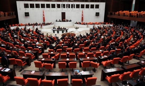 Komisyon 6 tasarıyı kabul etti