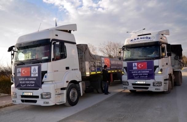 Konya'dan Suriyelilere 76 tır yardım