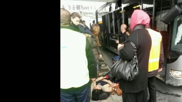 Metrobüs kaza yaptı!