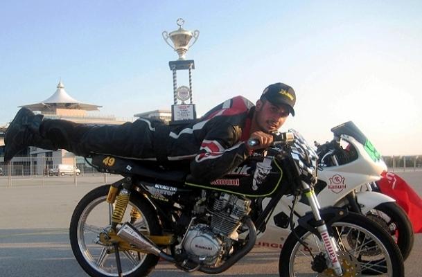 Ödüllü motosikletçi yaşamını yitirdi