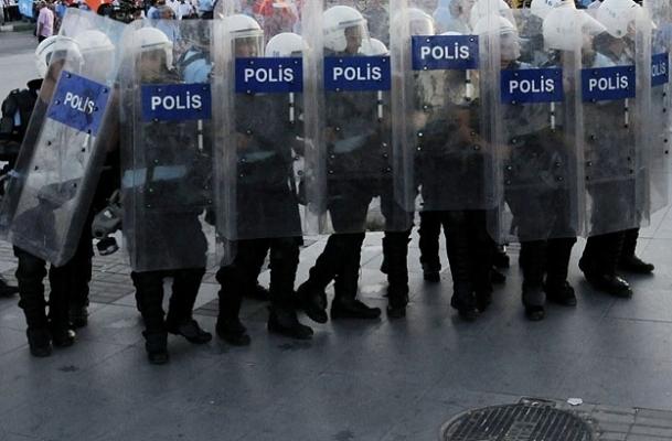 Sendika isteyen polise soruşturma