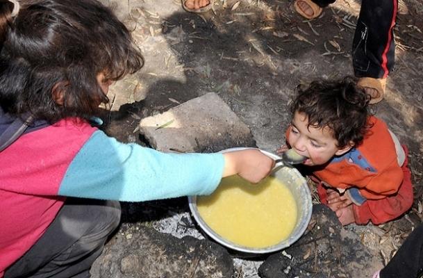 Sınırdaki Suriyeli çocukların çaresizliği