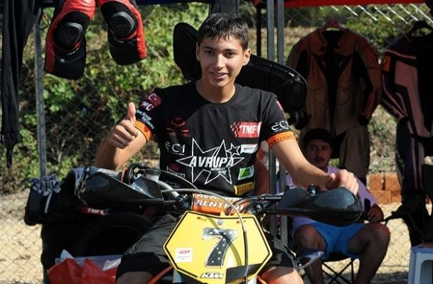 Sofuoğlu'nun izindeki şampiyon