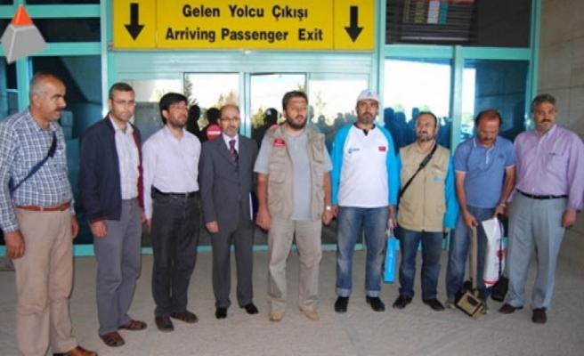 Türk yardım gönüllüleri serbest