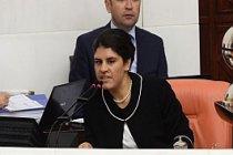 Dilek Öcalan yasak dinlemedi!