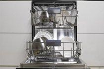 Kimyasal Madde Kullanmadan Bulaşık Makinesi Nasıl Temizlenir?