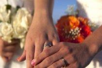 İki rahibenin evlenmesi şok yarattı