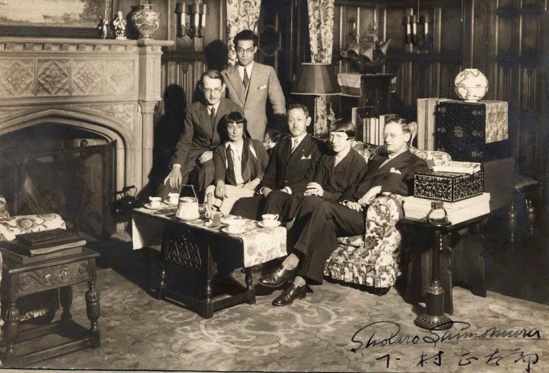 Bruno Taut, 1933 yılında Moskova'da Rus meslektaşları ile çekildiği bir kare...