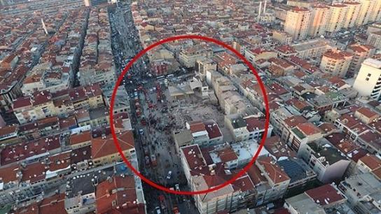 İşte Zeytinburnu'ndaki binanın çökme anı